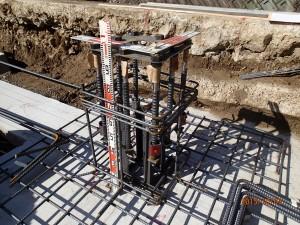 柱脚の鉄筋部分 ベースパックの設置